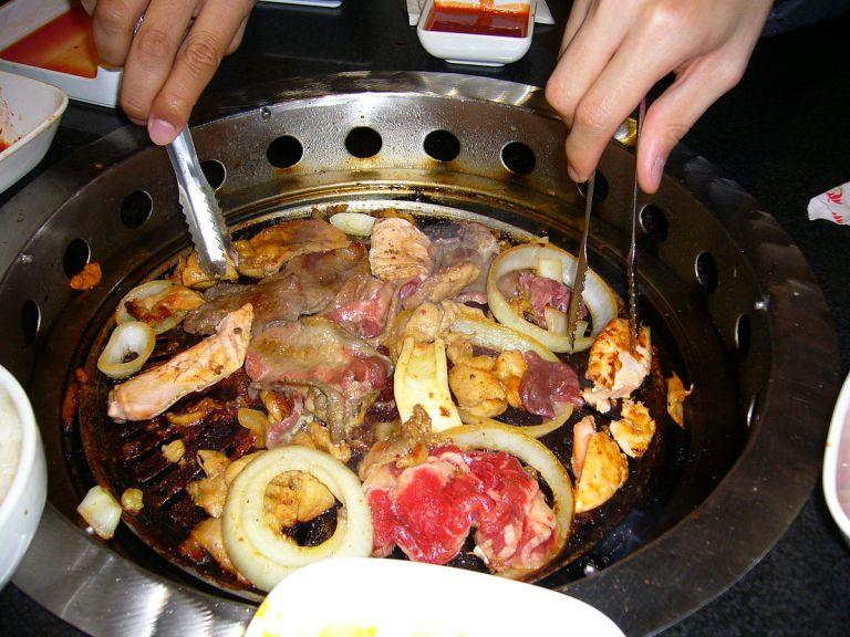 1200px-Korean_barbecue-03